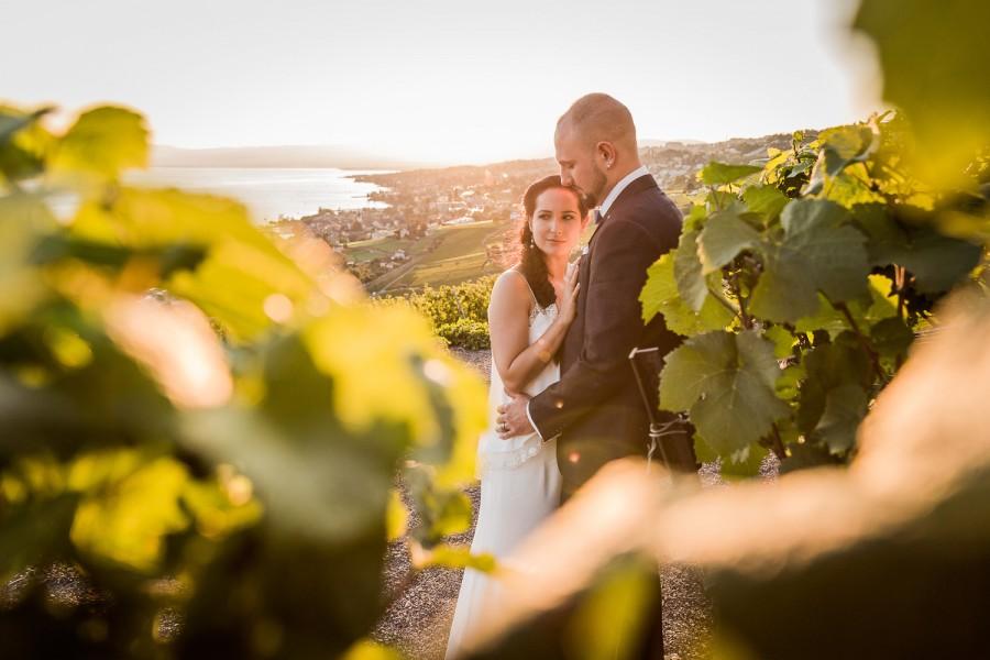 photo de couple dans les vignes, Mélanie et Jérôme ont célébré leur mariage dans les vignes du lavaux